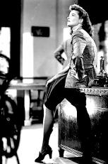 KATHARINE HEPBURN ( WOMAN SHOT-I )