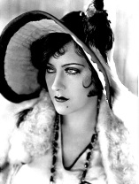 gloria-swanson-young