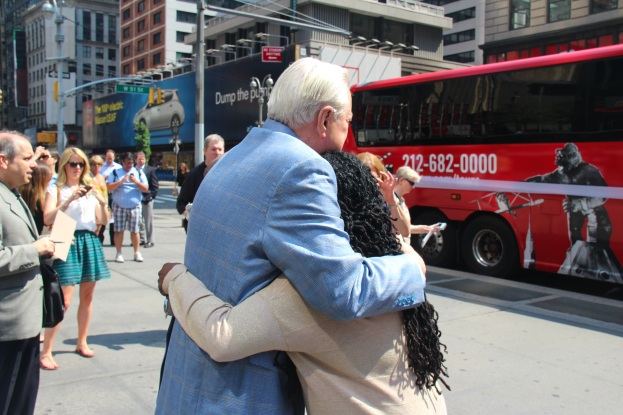 ROBERT OSBORNE & ME ( TCM BUS TOUR ) V