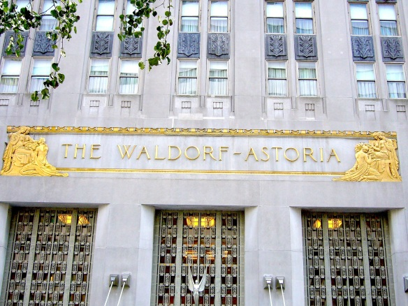 WALDORF-ASTORIA ( I )