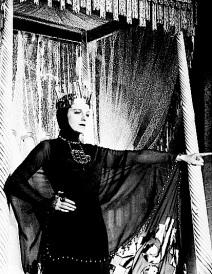 1935 - ( SHE )
