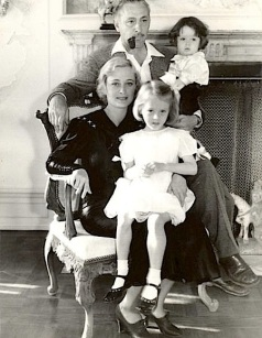 DOLORES, BARRYMORE & KIDS