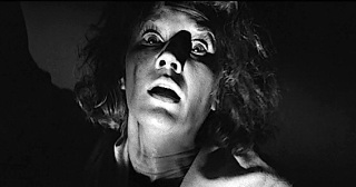 THE HAUNTING ( Lois Maxwell )