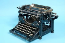 i-walk-alone-typewriter